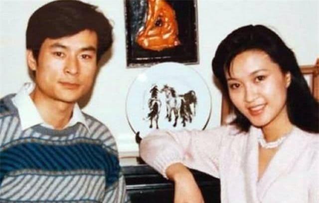 Vốn dĩ bà nổi tiếng hơn Lưu Hiểu Khánh nhưng lại ly hôn chồng vì một 'tiểu thịt tươi', giờ bà đã 61 tuổi! 3