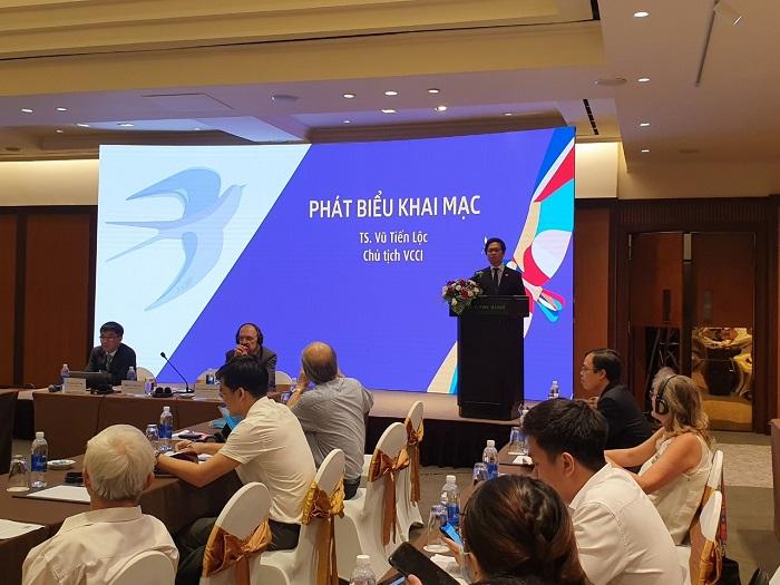 Chủ tịch VCCI, TS. Vũ Tiến Lộc phát biểu khai mạc sự kiện.