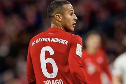 """Thiago Alcantara """"ăn đứt"""" các tiền vệ Liverpool ở nhiều chỉ số"""