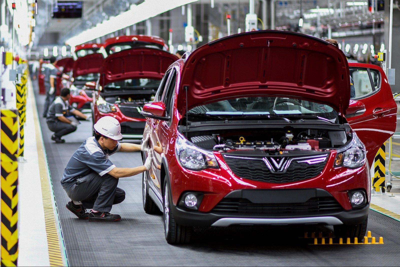 Gia hạn thời hạn nộp thuế đối với số thuế tiêu thụ đặc biệt phải nộp phát sinh của kỳ tính thuế từ tháng 3 đến tháng 10/2020 với ô tô sản xuất hoặc lắp ráp trong nước.