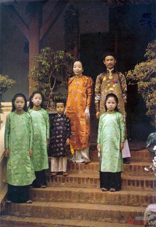 Việt Nam sống động qua những bức ảnh màu hiếm có chụp từ 100 năm trước - Ảnh 13