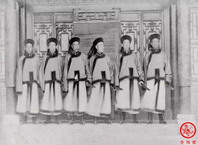 Loạt ảnh thật các vị quan văn võ cuối triều nhà Thanh dưới ống kính của nhiếp ảnh gia phương Tây - Ảnh 10.