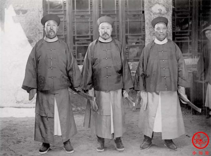 Loạt ảnh thật các vị quan văn võ cuối triều nhà Thanh dưới ống kính của nhiếp ảnh gia phương Tây - Ảnh 8.