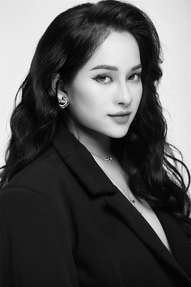 Mang bầu tháng thứ 8, bà xã của Dương Khắc Linh đẹp mặn mà - Ảnh 4.