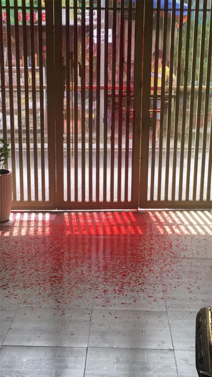 Nữ giám đốc ở Tân Bình bị doạ tạt axit cầu cứu công an - Ảnh 3.