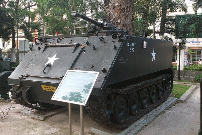 Thiết giáp phun lửa M132 Zippo chiến lợi phẩm được trưng bày tại bảo tàng. Ảnh: Vpk.