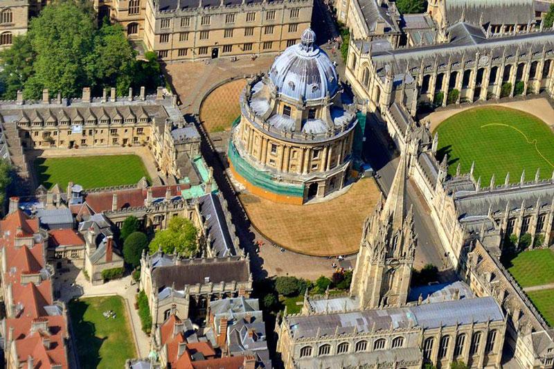 1. Đại học Oxford, Anh.