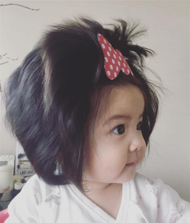 Mái tóc có một không hai của cô bé Chanco.