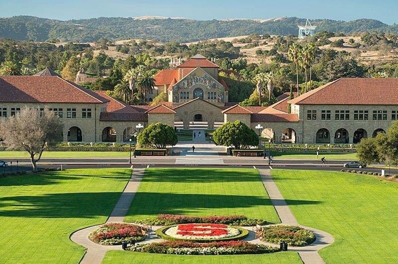 4. Đại học Stanford, Mỹ.