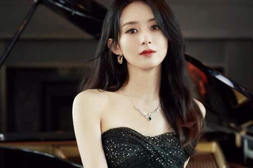 Triệu Lệ Dĩnh nhận 2 đề cử tại giải Kim ưng 2020