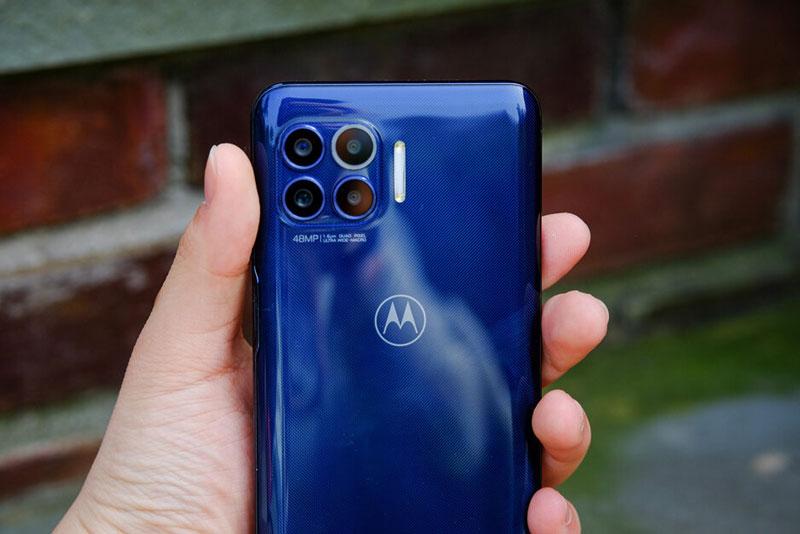 Cận cảnh smartphone 5G, chống nước, pin 5.000 mAh, giá hơn 10 triệu
