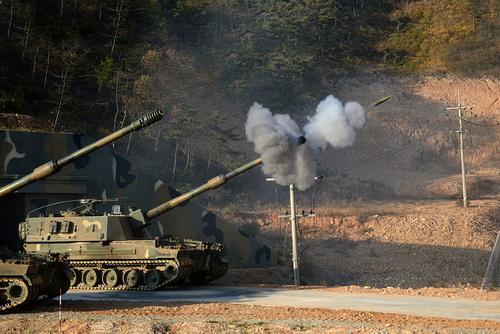 Pháo tự hành K9 Thunder của Hàn Quốc đang là vũ khí rất được ưa chuộng trên thế giới. Ảnh: Defence Blog.