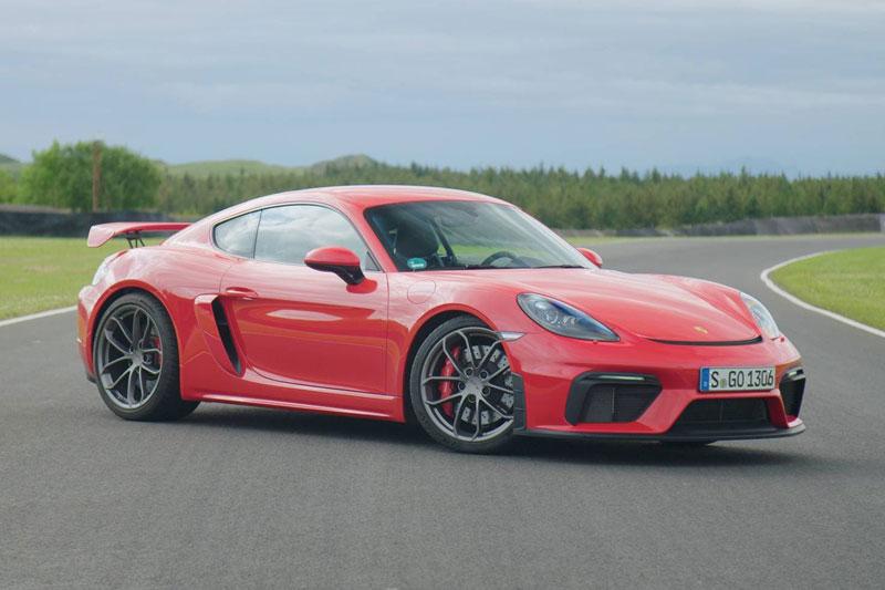 4. Porsche Cayman (giá khởi điểm: 57.500 USD).