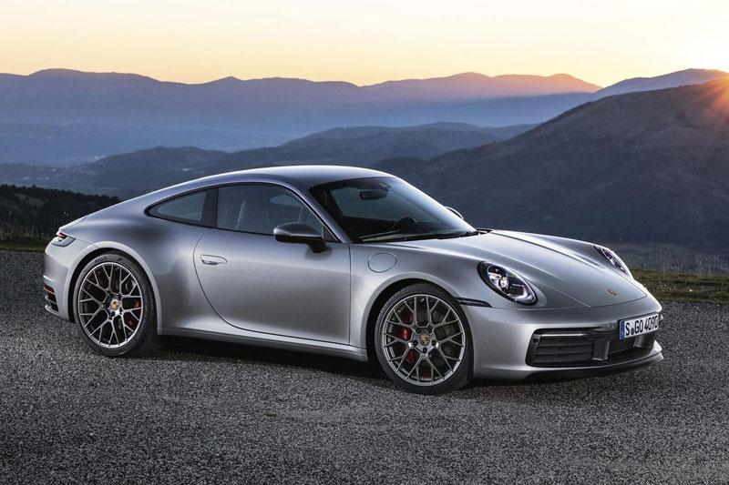 5. Porsche 911 2020 (giá khởi điểm: 97.400 USD).