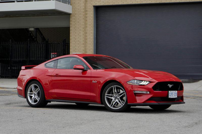 7. Ford Mustang 2020 (giá khởi điểm: 26.670 USD).