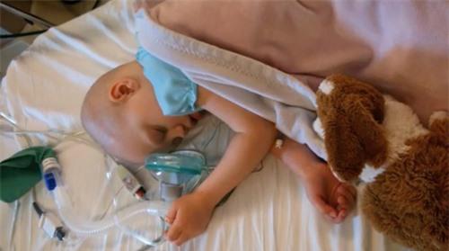 Chuyện lạ bé gái bị bệnh viện trả về chờ chết bỗng tỉnh lại và hồi phục nhanh chóng - 2
