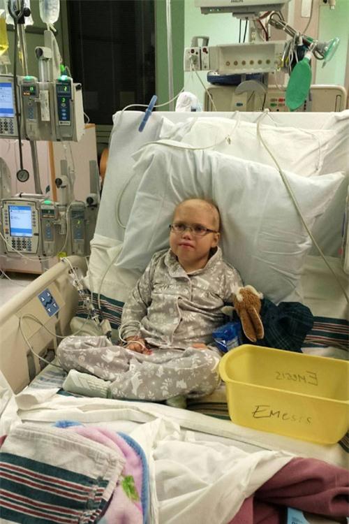 Chuyện lạ bé gái bị bệnh viện trả về chờ chết bỗng tỉnh lại và hồi phục nhanh chóng - 3