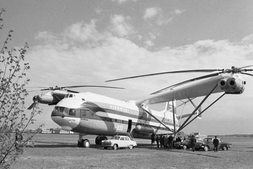 Trực thăng lớn nhất thế giới V-12 của Liên Xô. Ảnh: Vpk.