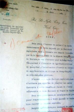 Vua Tự Đức rất chăm phê, nhiều bản tâu của quan, vua phê vào còn nhiều chữ hơn quan tâu lên.