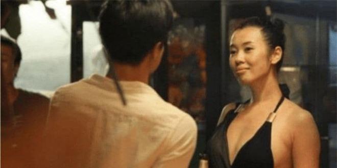 Suýt chút nữa trở thành vợ của Ngô Kinh nhưng lại cam chịu chung sống với đạo diễn 12 năm rồi bị bỏ rơi, nay nữ diễn viên này có giá trị thương mại hơn 13 nghìn tỷ đồng 8
