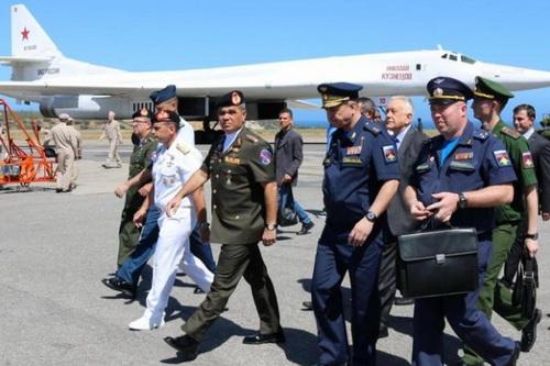 Thượng nghị sĩ Nga đề xuất đưa máy bay ném bom tới sát nước Mỹ