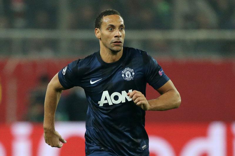 Trung vệ: Rio Ferdinand.