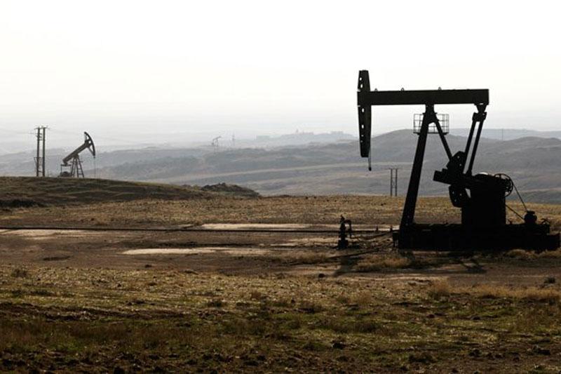 SANA: Hàng chục tàu chở dầu của Mỹ rời Syria đến Iraq