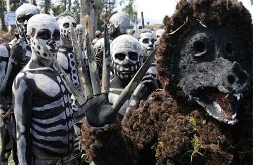 'Rợn tóc gáy' với khám phá mới về bộ tộc ăn thịt người ở Thái Bình Dương