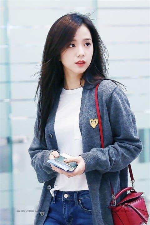 Jisoo nữ thần sân bay 12