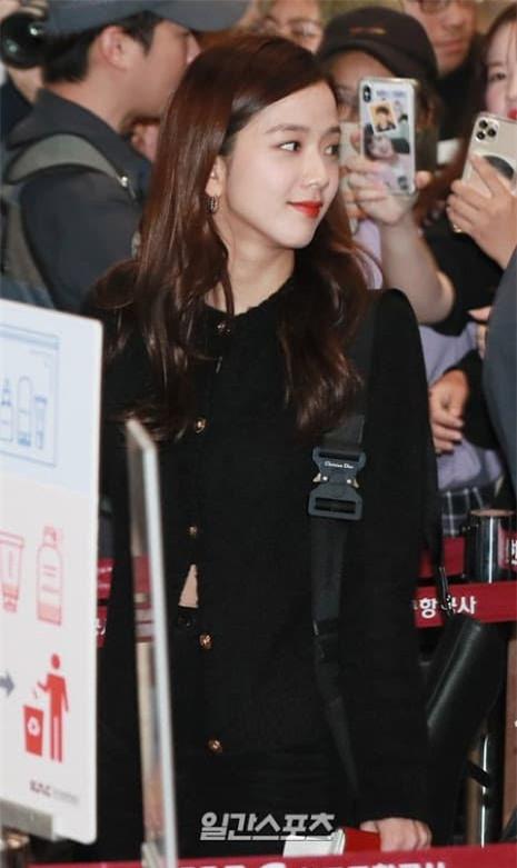 Jisoo nữ thần sân bay 2