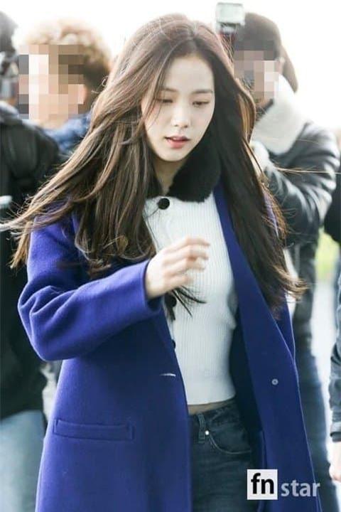 Jisoo nữ thần sân bay 3