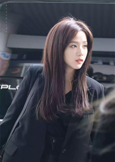 Jisoo nữ thần sân bay 1