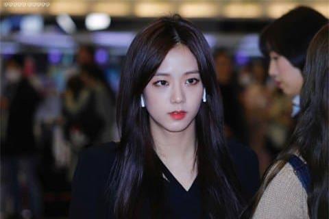 Jisoo nữ thần sân bay 9