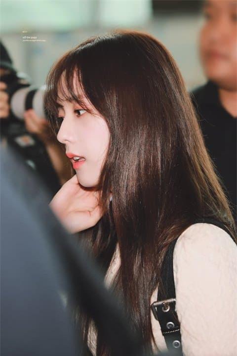 Jisoo nữ thần sân bay 8