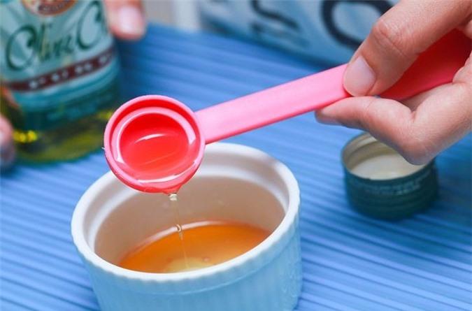 aid629688-728px-Make-Honey-Lip-Scrub-Step-2-Version-5