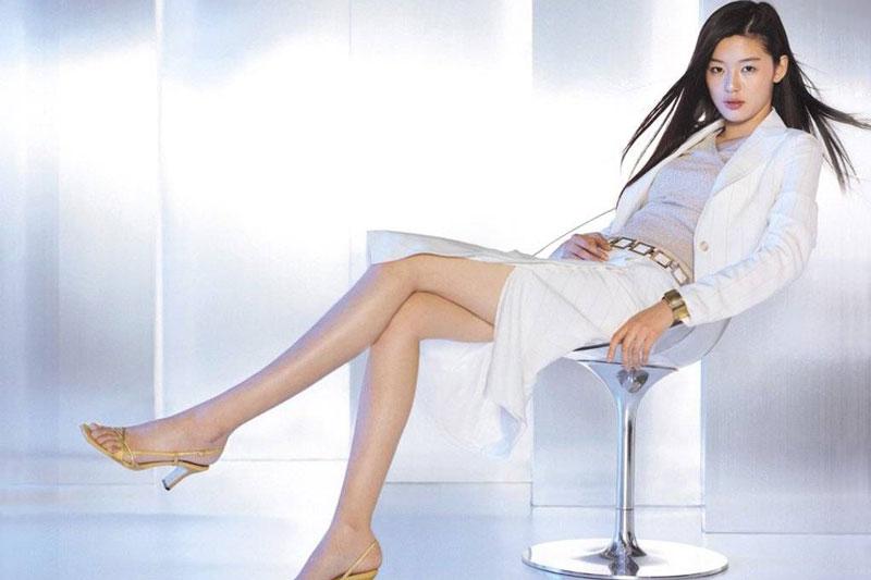 5. Jun Ji-hyun. Chiều cao: 1,73m.