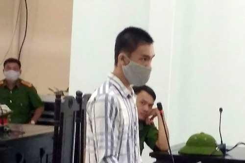 Đà Nẵng: Không giảm án cho kẻ giết chết mẹ và em trai ra tòa nói bị... ma đuổi