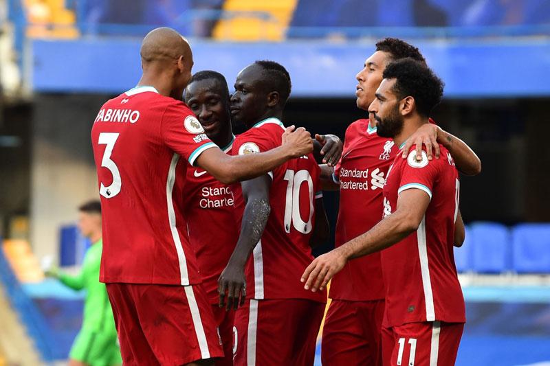 Liverpool dễ dàng vượt qua Chelsea.