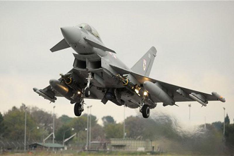 Chiến đấu cơ đa nhiệm Typhoon của Anh.