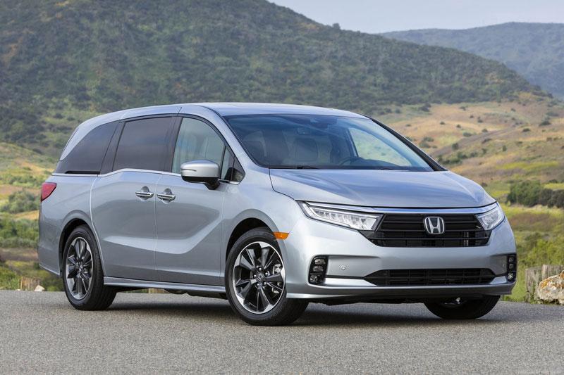1. Honda Odyssey 2020 (giá khởi điểm: 30.790 USD, số chỗ ngồi tối đa: 8).