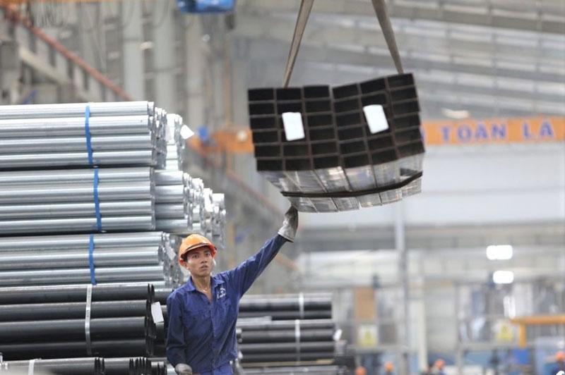 Lượng sắt thép xuất khẩu sang Trung Quốc trong 8 tháng tăng hơn 17 lần