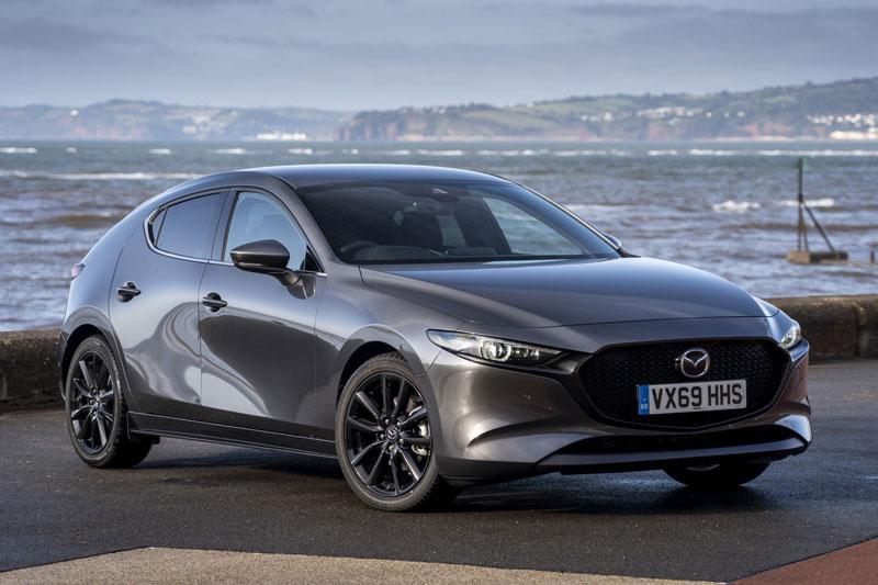 3. Mazda3 2020 (điểm số: 8,5/10, giá khởi điểm: 21.500 USD).