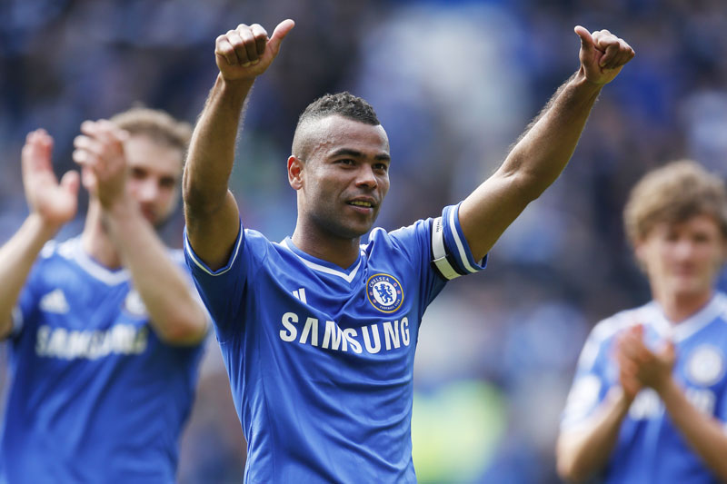 Hậu vệ: Ashley Cole.