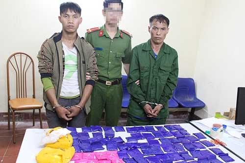 Sơn La: Hai đối tượng bị bắt quả tang mua bán 80 túi ma túy tổng hợp