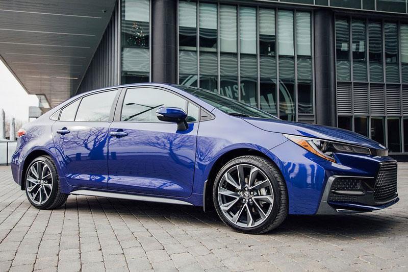9. Toyota Corolla 2020 (điểm số: 8/10, giá khởi điểm: 19.600 USD).