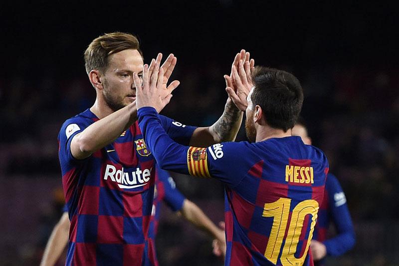 Thừa nhận không thân thiết với Messi và Suarez, Rakitic hé lộ nội tình Barca