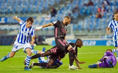 Real (giữa) dứt điểm rất nhiều nhưng không thể chọc thủng lưới Sociedad