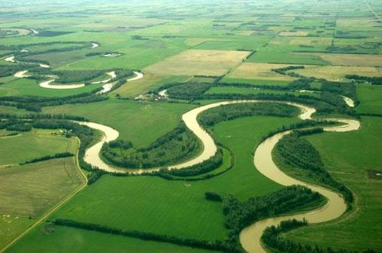 Giải mã tại sao các dòng sông không bao giờ chảy theo đường thẳng