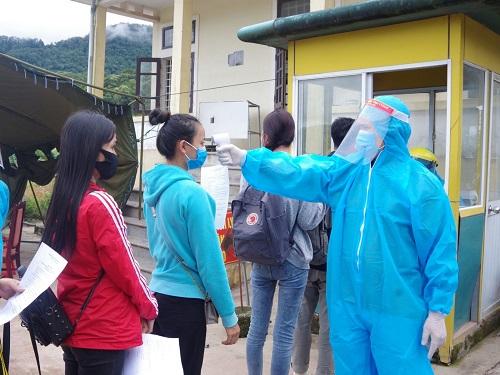 Thừa Thiên Huế: Cách ly 189 sinh viên Lào trở lại học tập sau dịch Covid-19