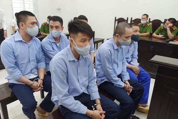Đại gia bị côn đồ xông vào tận phòng nhà nghỉ cướp tài sản ở Hà Nội